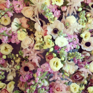 Table flowers. Lots of them!