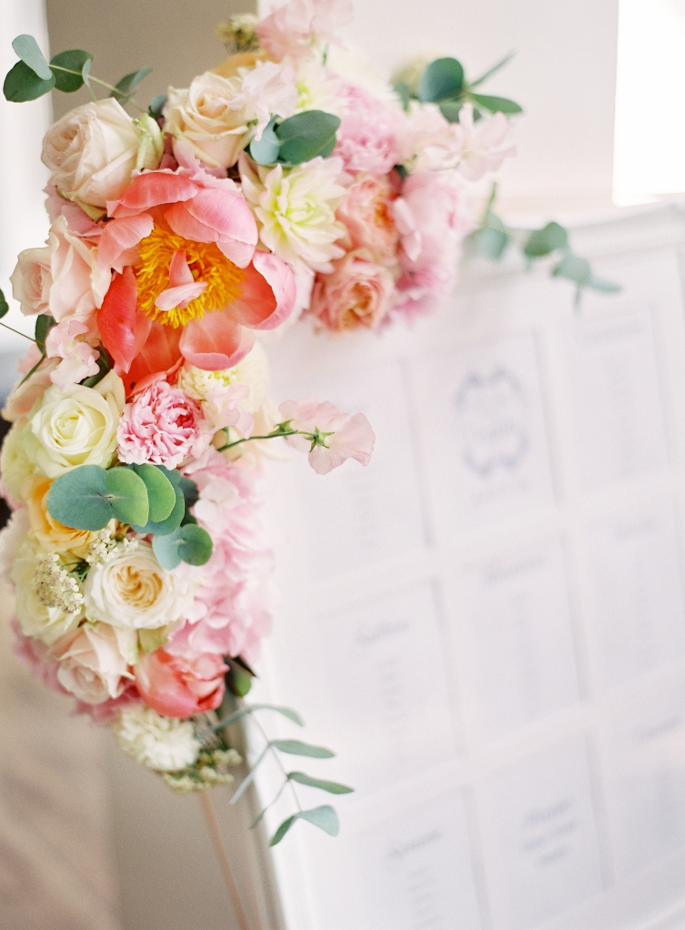 Table plan with added flowers